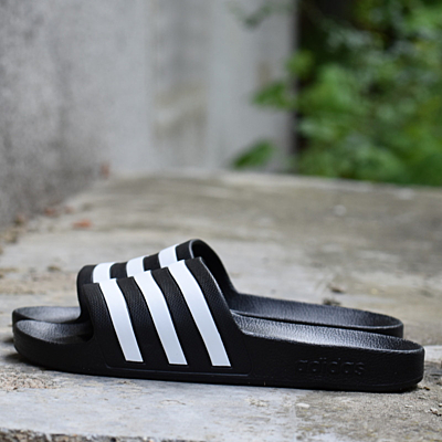 ADILETTE AQUA Pantofle